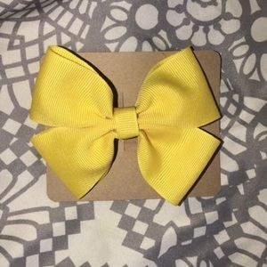 Solid colored bows